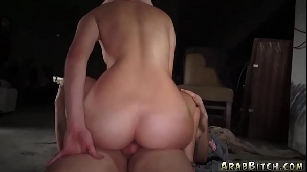 Arab girl, Delivery, Girl pissing