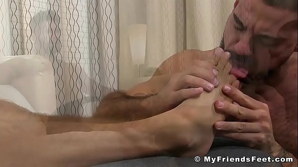 Licking feet, Sniff