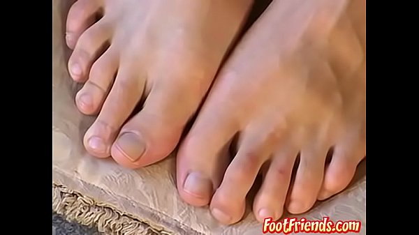 Feet show, Sock, Sniff